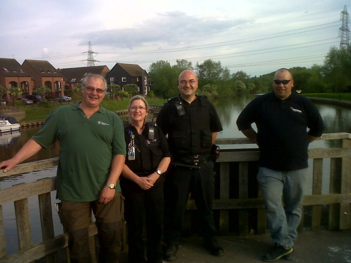 PCs Ken Cook & Tina Maulson patrolling the Thames near Oxford with Mick Cox of the EA and VB Russ Bates.